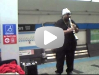 Chicago Subway jazz clarinet.